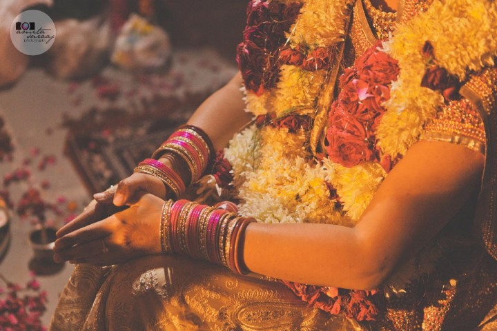 wedding, bengali, delhi, wedding photography, candid wedding photography, wedding photographer, contemporary, lifestyle, contemporary wedding photography, jewellery, mehendi, amita, suraaj