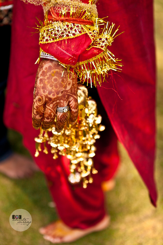 detail of the bride's hand after the haldi ceremony